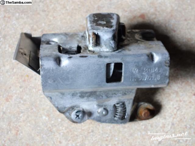 vw_beetle_door_latch_111837016b_00032222_01_i7.jpg
